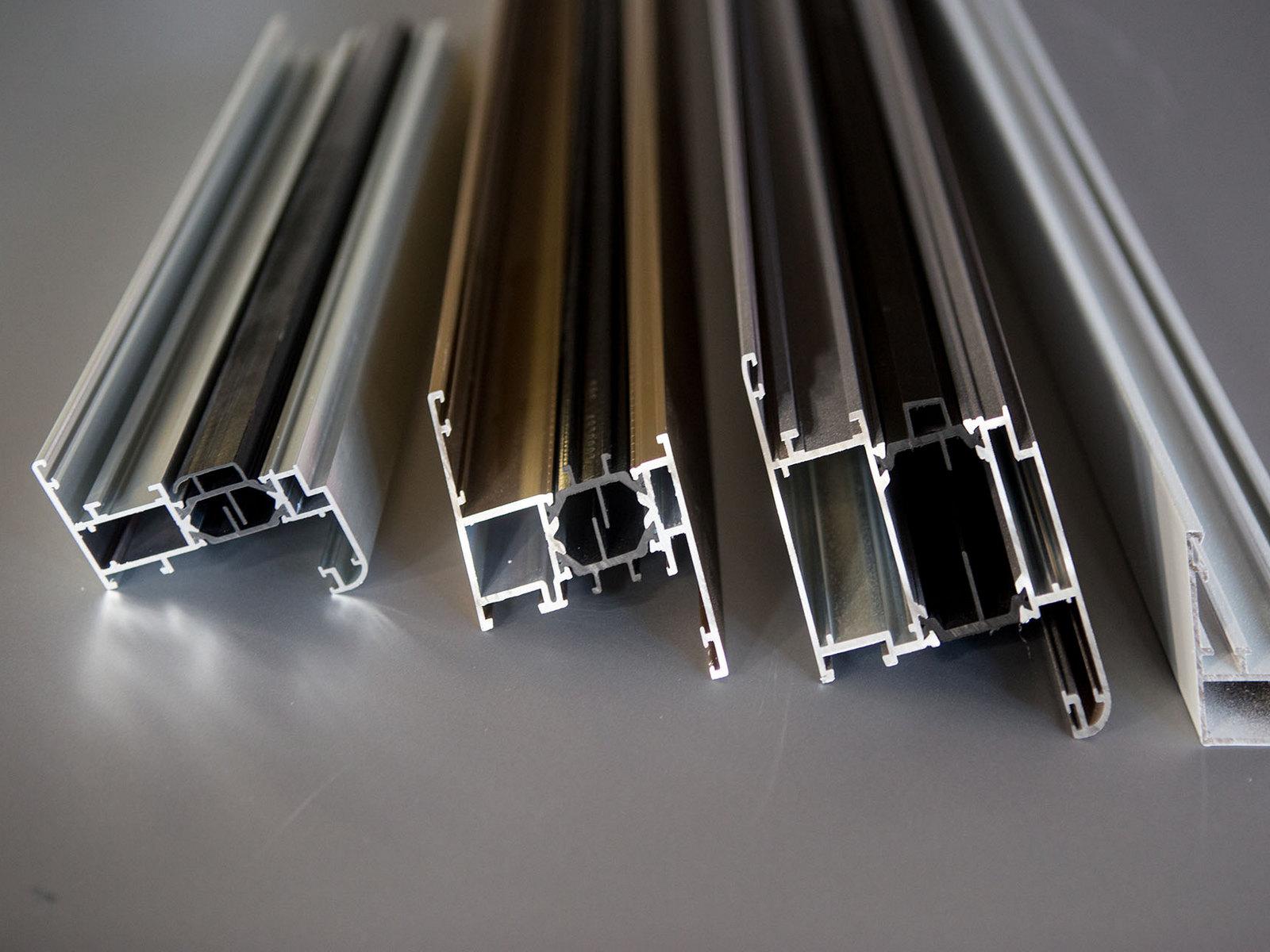 You are currently viewing Профили для изготовления встроенных световых линий СП 5 и СП 6